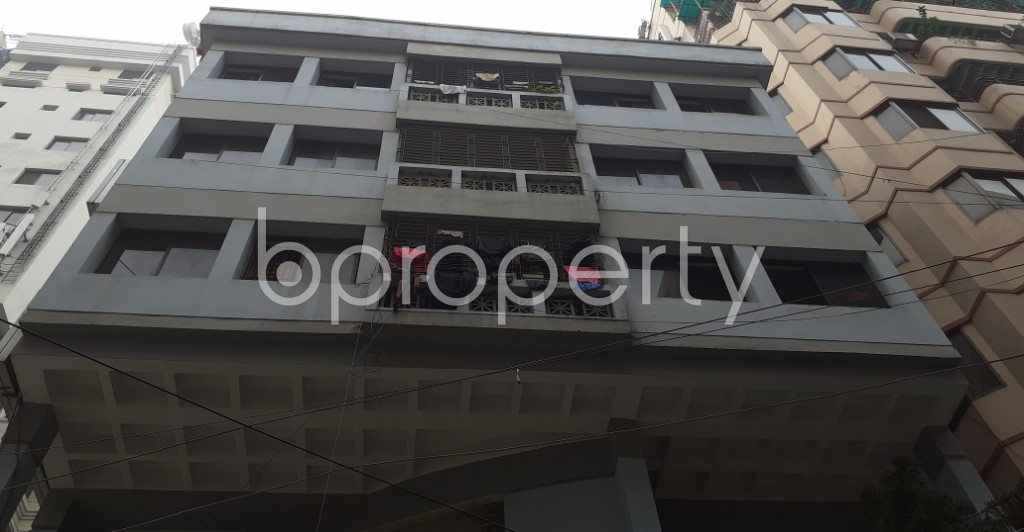 Front view - 3 Bed Apartment to Rent in Dhanmondi, Dhaka - 1944175