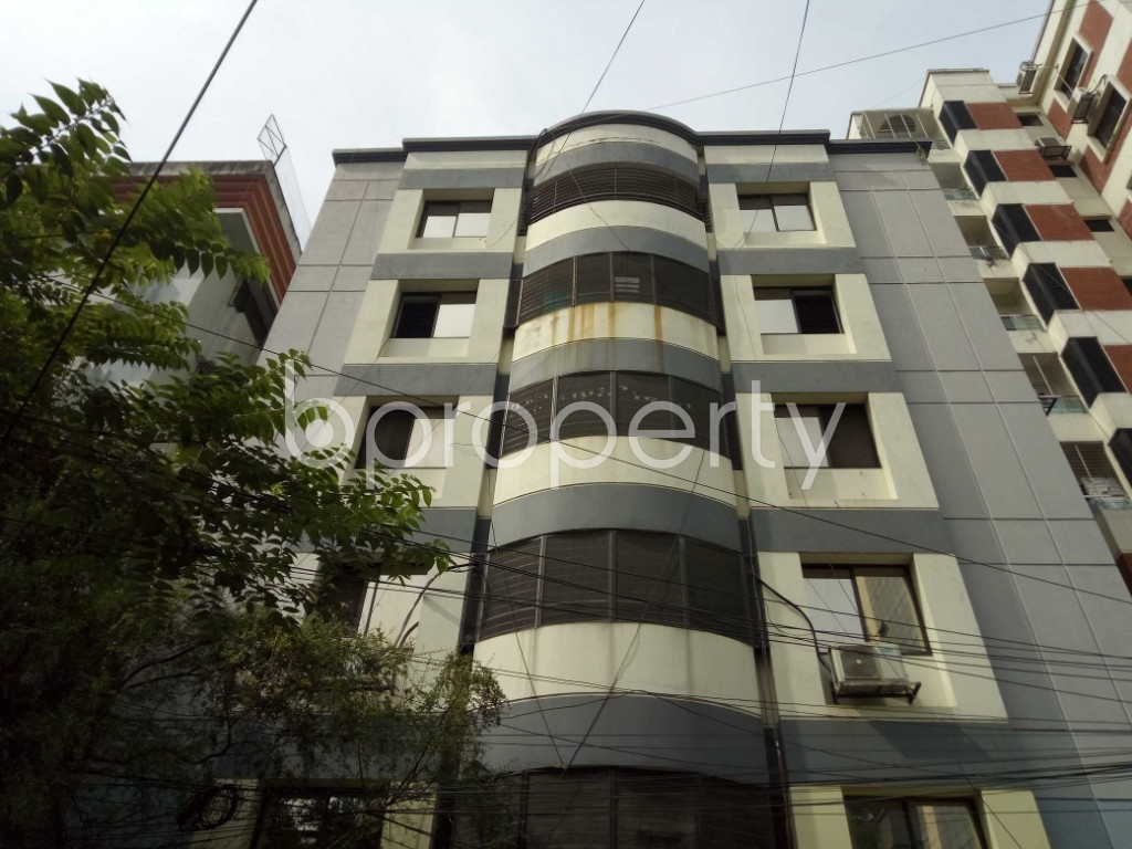 Outside view - 3 Bed Apartment to Rent in Banani, Dhaka - 1944229