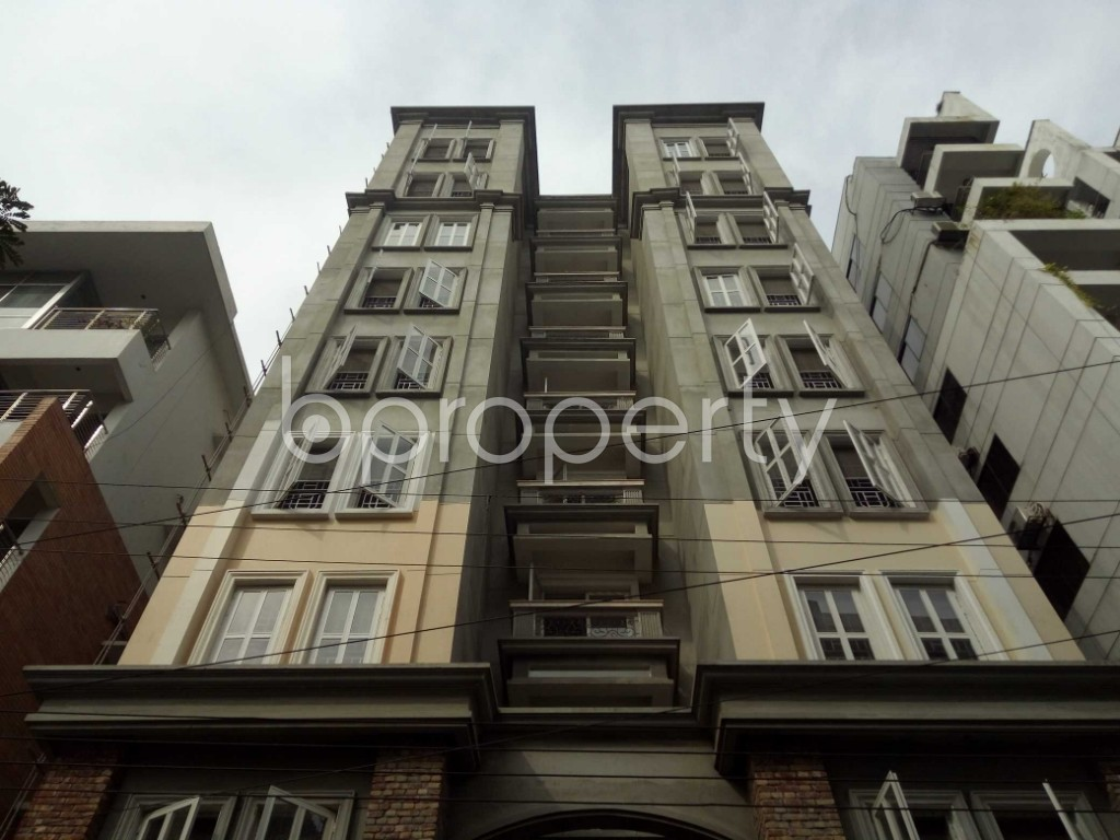 Front view - 3 Bed Apartment to Rent in Bashundhara R-A, Dhaka - 1944335