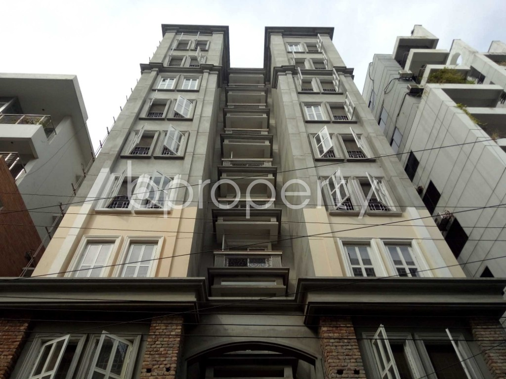 Front view - 3 Bed Apartment to Rent in Bashundhara R-A, Dhaka - 1944336