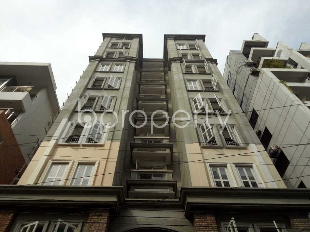 Front view - 3 Bed Apartment to Rent in Bashundhara R-A, Dhaka - 1944337