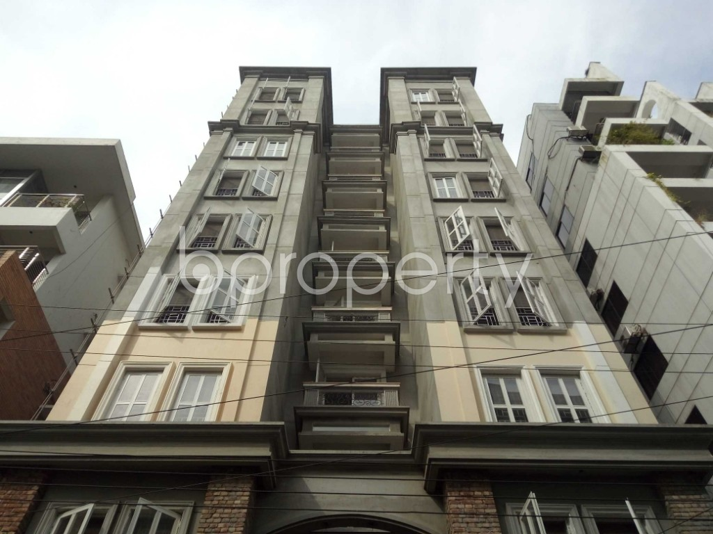 Front view - 3 Bed Apartment to Rent in Bashundhara R-A, Dhaka - 1944338