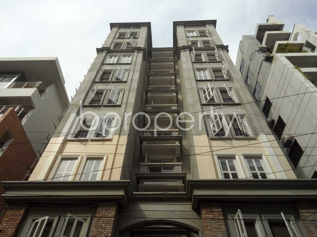 Front view - 3 Bed Apartment to Rent in Bashundhara R-A, Dhaka - 1944339