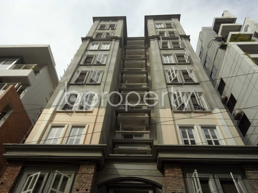 Front view - 3 Bed Apartment to Rent in Bashundhara R-A, Dhaka - 1944341