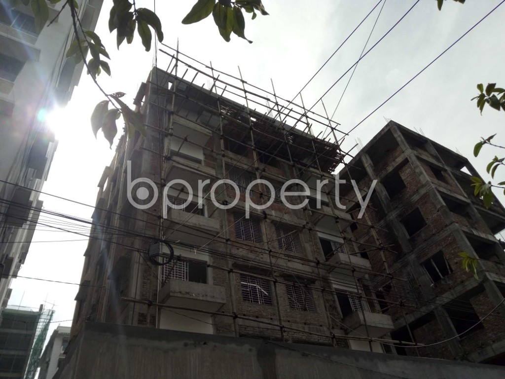 Front view - 2 Bed Apartment to Rent in Bashundhara R-A, Dhaka - 1944345