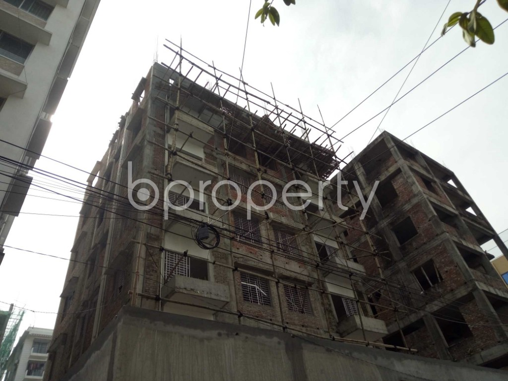 Front view - 2 Bed Apartment to Rent in Bashundhara R-A, Dhaka - 1944348