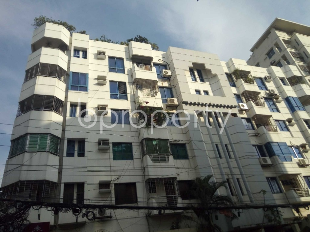 Outside view - 3 Bed Apartment to Rent in Banani, Dhaka - 1944406