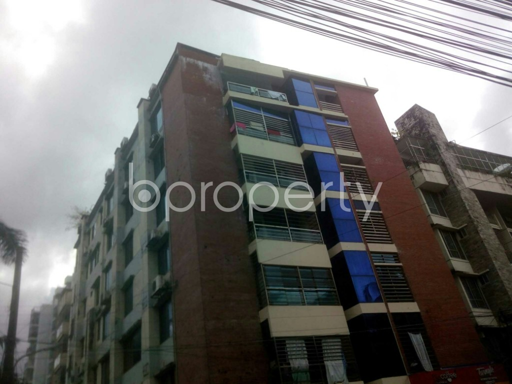 Front view - 3 Bed Apartment to Rent in 16 No. Chawk Bazaar Ward, Chattogram - 1945322