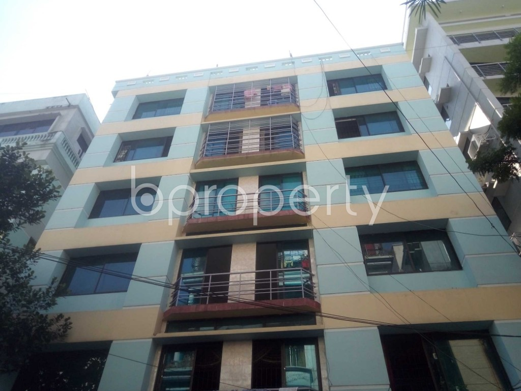 Outside view - 4 Bed Apartment to Rent in Baridhara DOHS, Dhaka - 1946100