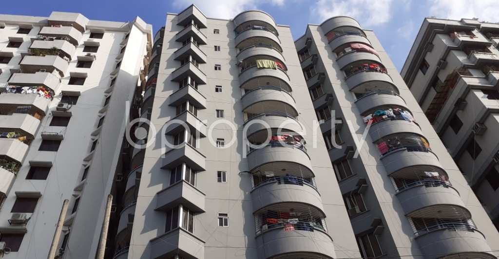 Outside view - 3 Bed Apartment to Rent in Kathalbagan, Dhaka - 1946626