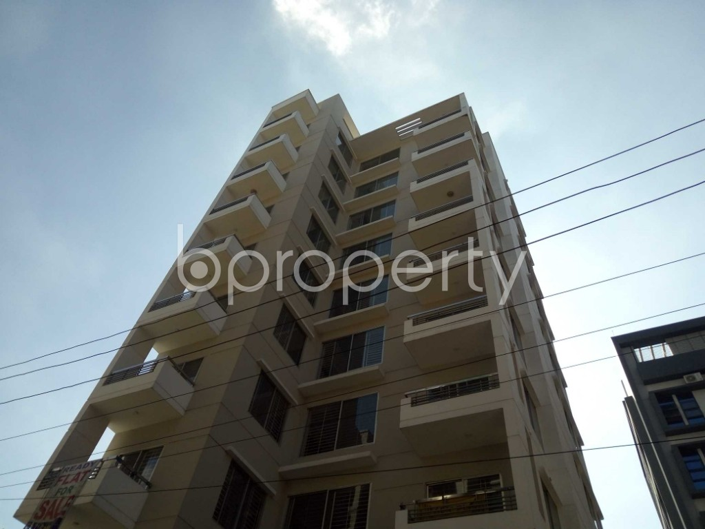 Front view - 3 Bed Apartment for Sale in Bashundhara R-A, Dhaka - 1947061
