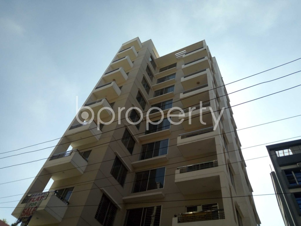 Front view - 3 Bed Apartment for Sale in Bashundhara R-A, Dhaka - 1947062