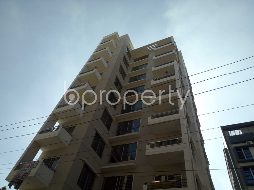 Front view - 3 Bed Apartment for Sale in Bashundhara R-A, Dhaka - 1947064