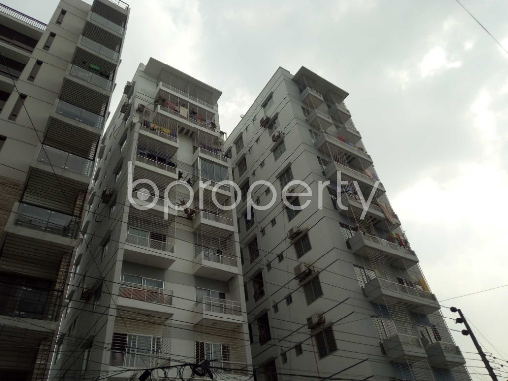 Front view - 3 Bed Apartment for Sale in Bashundhara R-A, Dhaka - 1947570