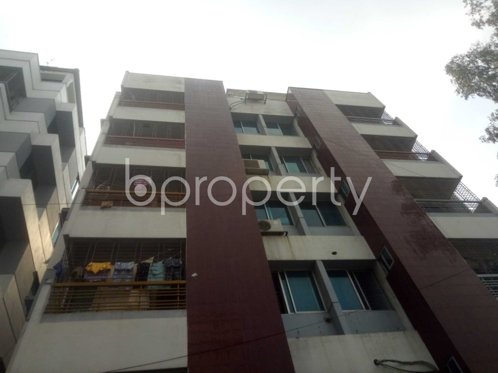 Outside view - 2 Bed Apartment to Rent in Baridhara, Dhaka - 1948080