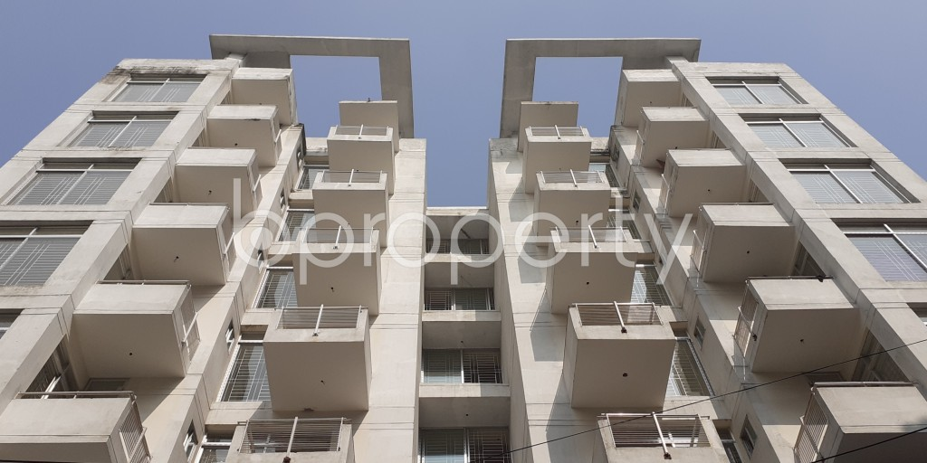 Front view - 3 Bed Apartment for Sale in Bashundhara R-A, Dhaka - 1950557