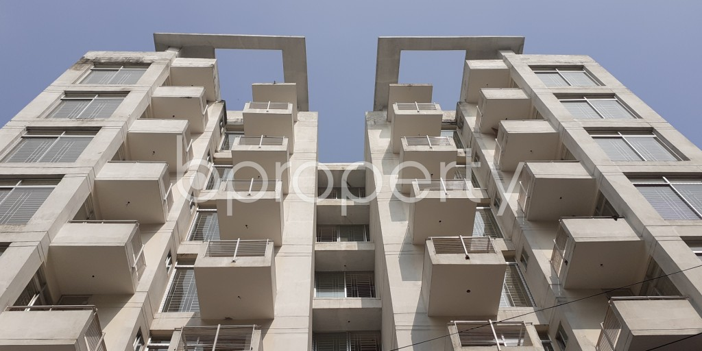 Front view - 3 Bed Apartment for Sale in Bashundhara R-A, Dhaka - 1950561