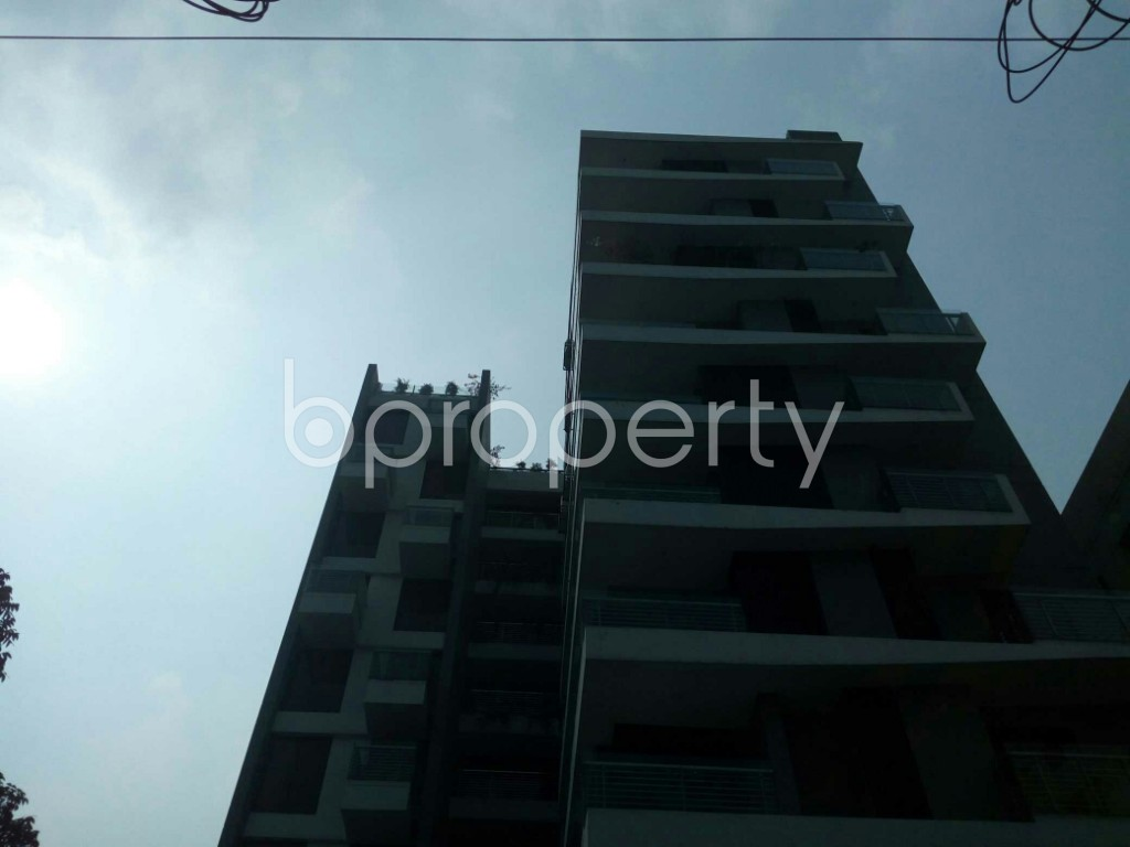 Front view - 3 Bed Apartment to Rent in Banani, Dhaka - 1951533