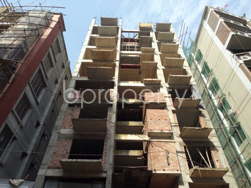 Front view - 4 Bed Apartment for Sale in Bashundhara R-A, Dhaka - 1951997