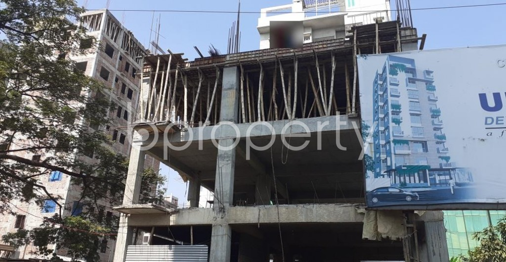 Front view - 4 Bed Apartment for Sale in Bashundhara R-A, Dhaka - 1953097