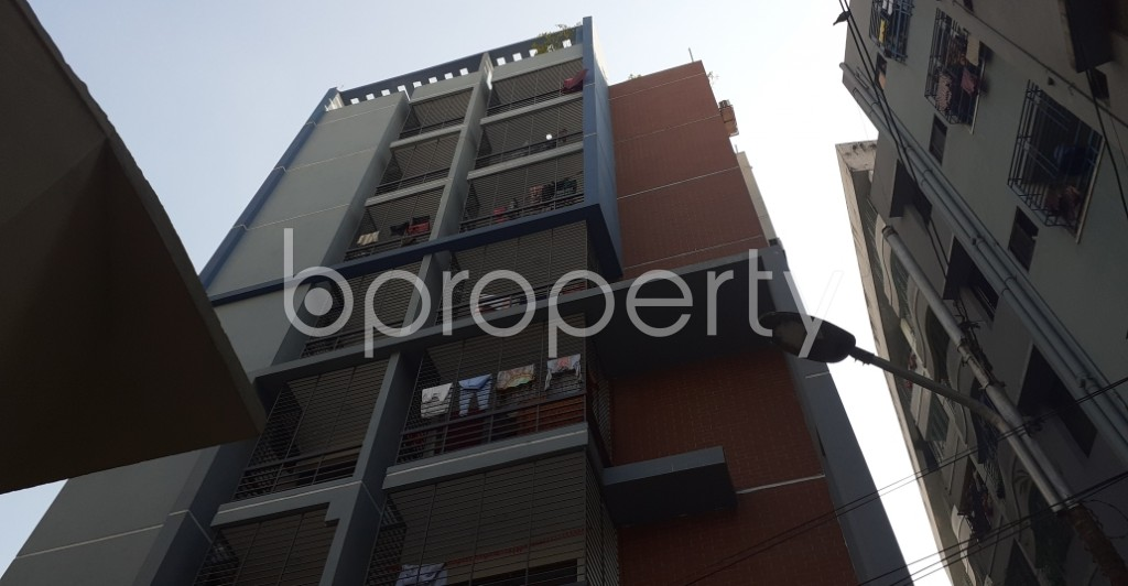 Front view - 3 Bed Apartment to Rent in New Market, Dhaka - 1953544