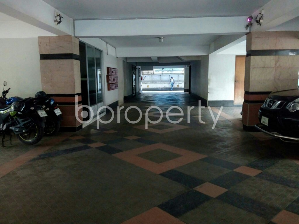 Parking - 1 Bed Apartment to Rent in Banani, Dhaka - 1953554