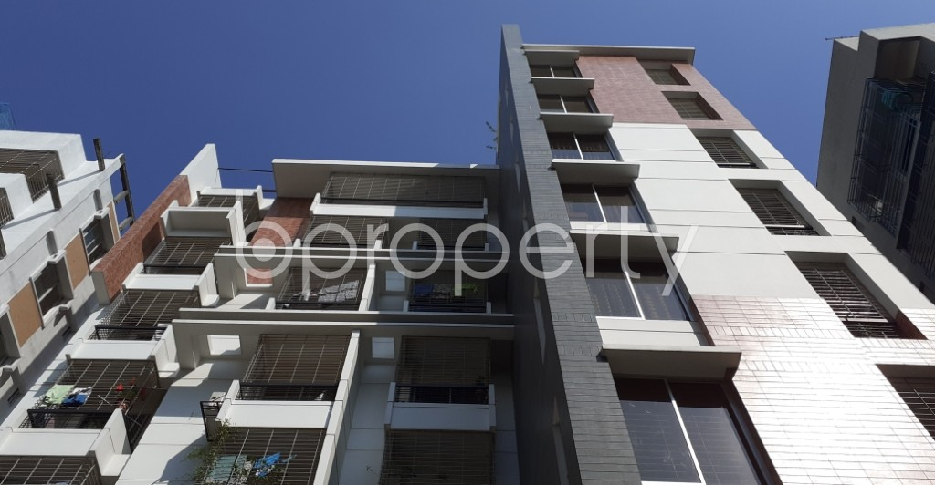 Front view - 3 Bed Apartment to Rent in New Market, Dhaka - 1953707