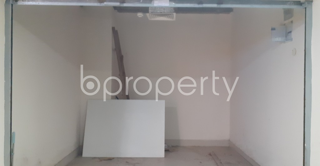 Commercial inside - Shop to Rent in Dhanmondi, Dhaka - 1954236