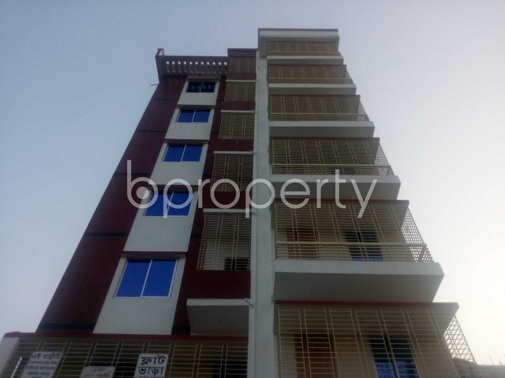 Front view - Office to Rent in Aftab Nagar, Dhaka - 1954904