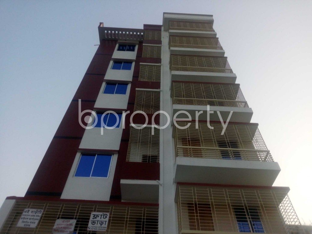Front view - Office to Rent in Aftab Nagar, Dhaka - 1954906
