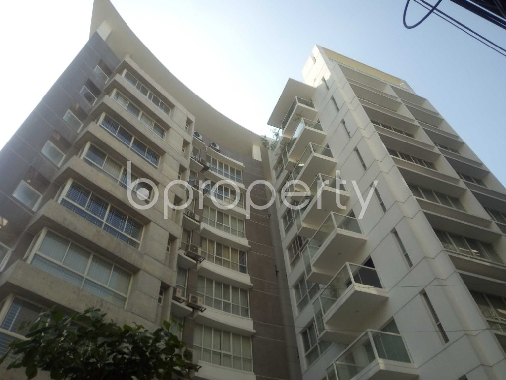 Outside view - 3 Bed Apartment to Rent in Gulshan, Dhaka - 1954929
