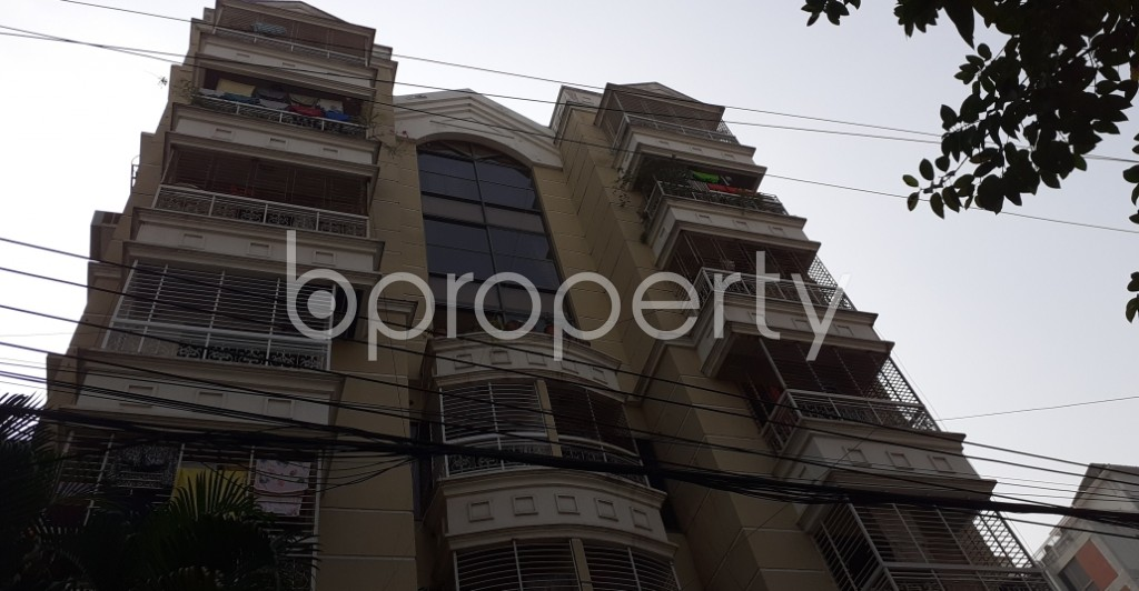 Front view - 3 Bed Apartment to Rent in Bashundhara R-A, Dhaka - 1955433