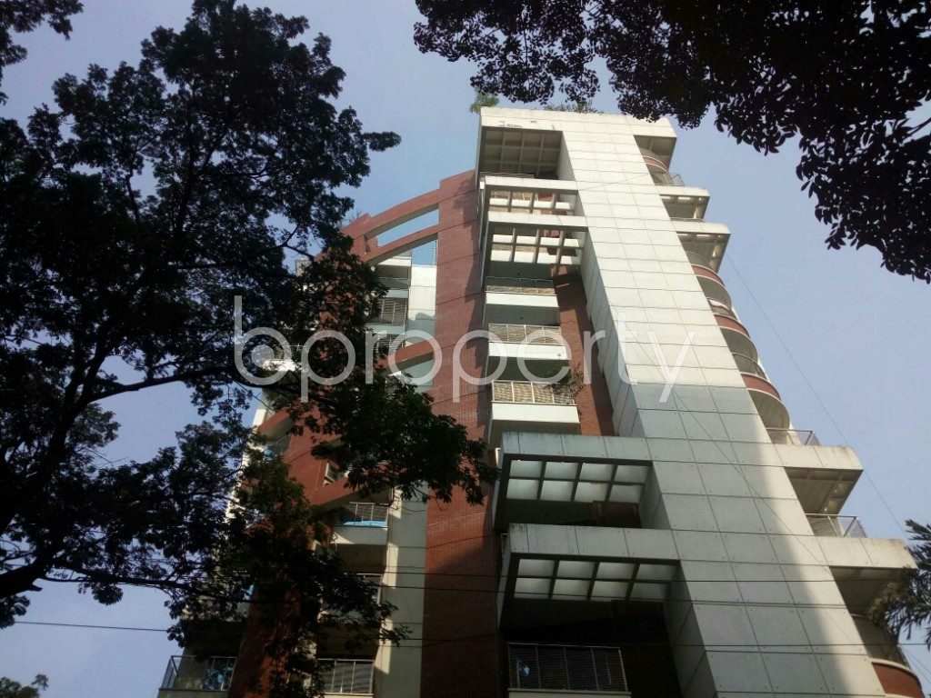 Front view - 3 Bed Apartment to Rent in Banani, Dhaka - 1955445