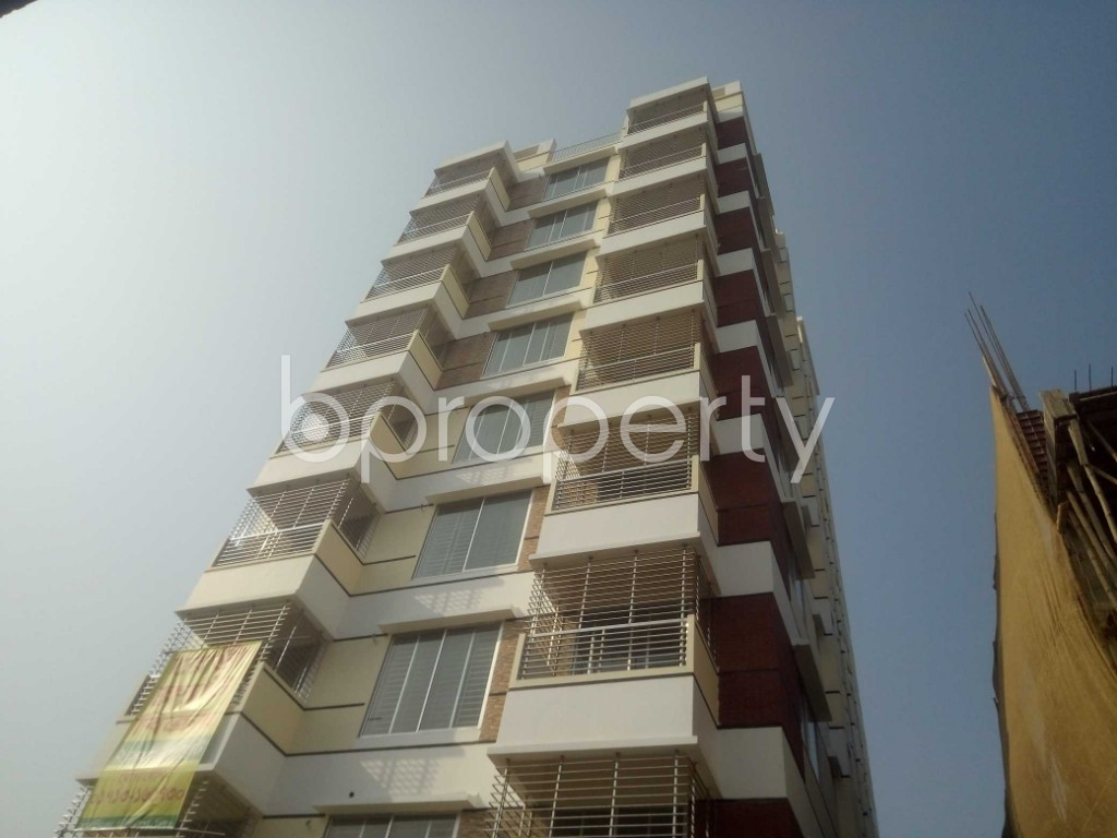 Front view - 3 Bed Apartment for Sale in Baridhara, Dhaka - 1955842