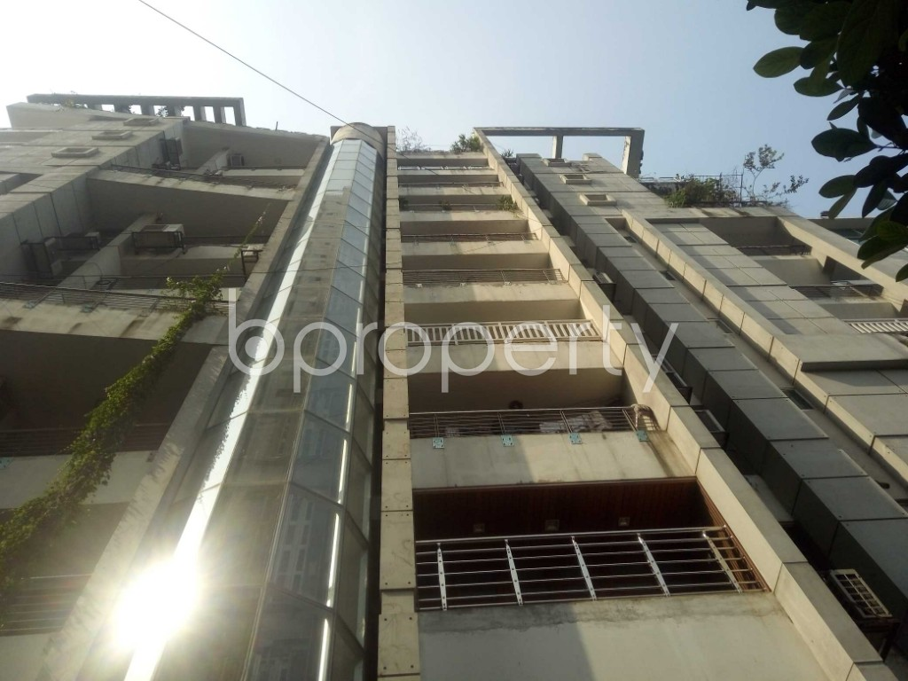 Front view - 3 Bed Apartment to Rent in Gulshan, Dhaka - 1955993
