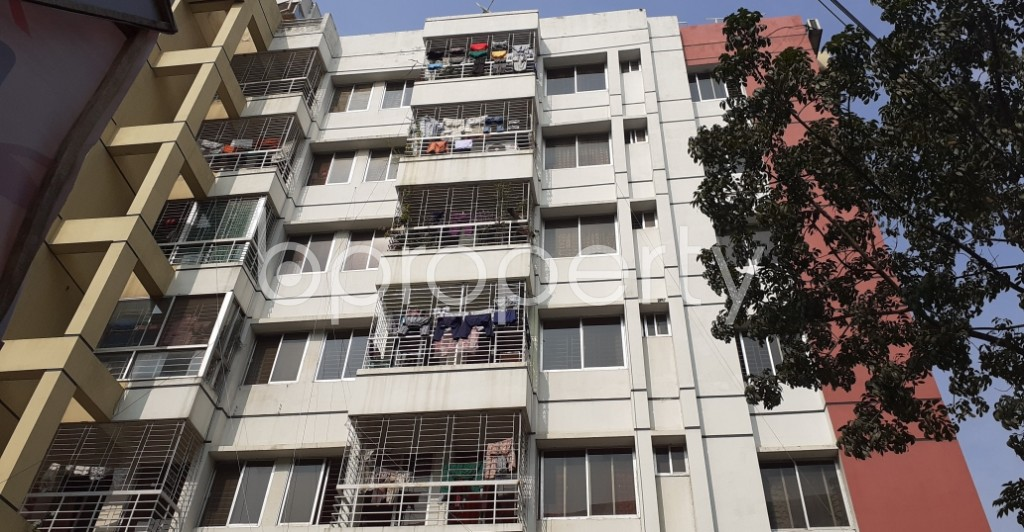 Front view - 3 Bed Apartment to Rent in Bashundhara R-A, Dhaka - 1956232