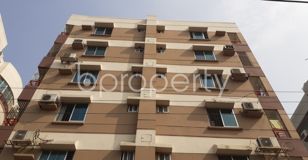 Front view - 3 Bed Apartment to Rent in Bashundhara R-A, Dhaka - 1956233
