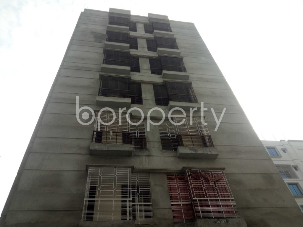 Front view - 2 Bed Apartment to Rent in Bashundhara R-A, Dhaka - 1956347
