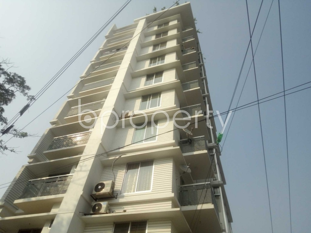 Front view - 3 Bed Apartment to Rent in Bashundhara R-A, Dhaka - 1956349