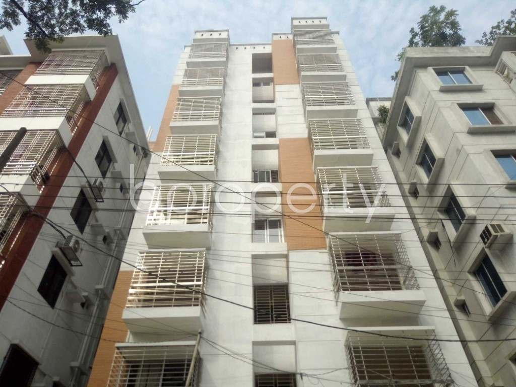 Front view - 3 Bed Apartment to Rent in Bashundhara R-A, Dhaka - 1956350