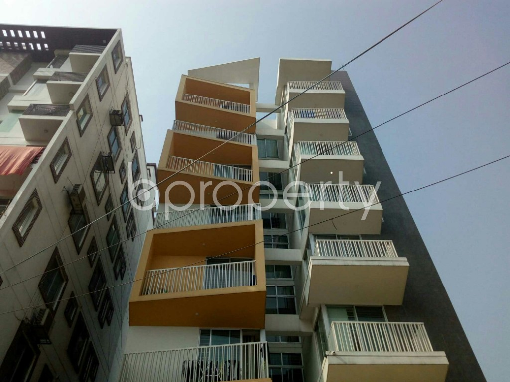 Front view - 3 Bed Apartment to Rent in Banani, Dhaka - 1956368