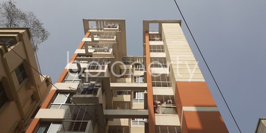 Front view - 3 Bed Apartment to Rent in Bashundhara R-A, Dhaka - 1956618
