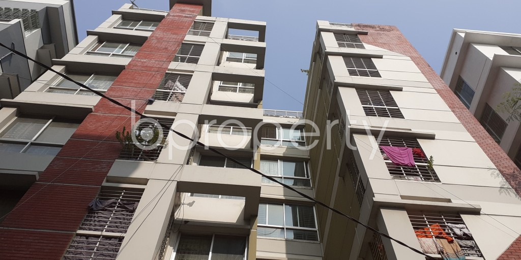 Front view - 3 Bed Apartment to Rent in Bashundhara R-A, Dhaka - 1956625