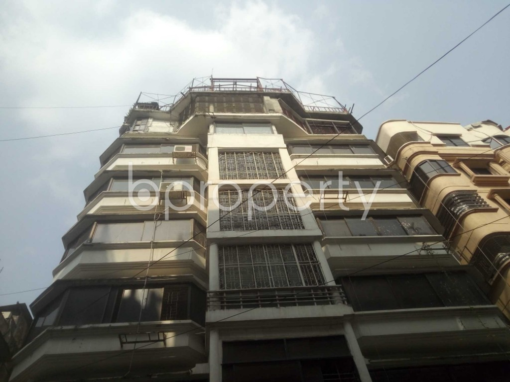 Outside view - 3 Bed Apartment to Rent in Baridhara DOHS, Dhaka - 1956764