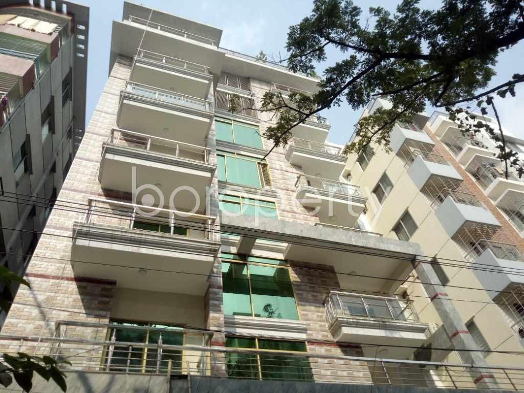 Front view - 3 Bed Apartment to Rent in Bashundhara R-A, Dhaka - 1956878