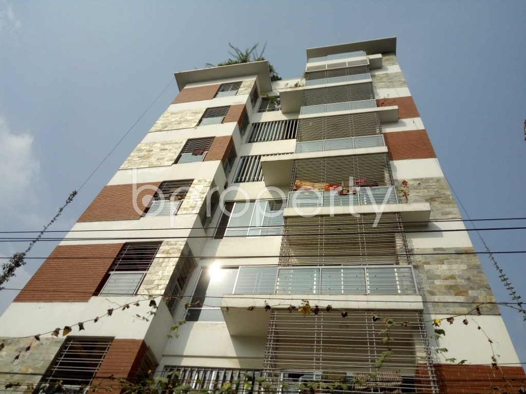 Front view - 3 Bed Apartment to Rent in Bashundhara R-A, Dhaka - 1956879