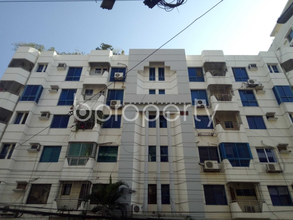 Outside view - 3 Bed Apartment to Rent in Banani, Dhaka - 1958768