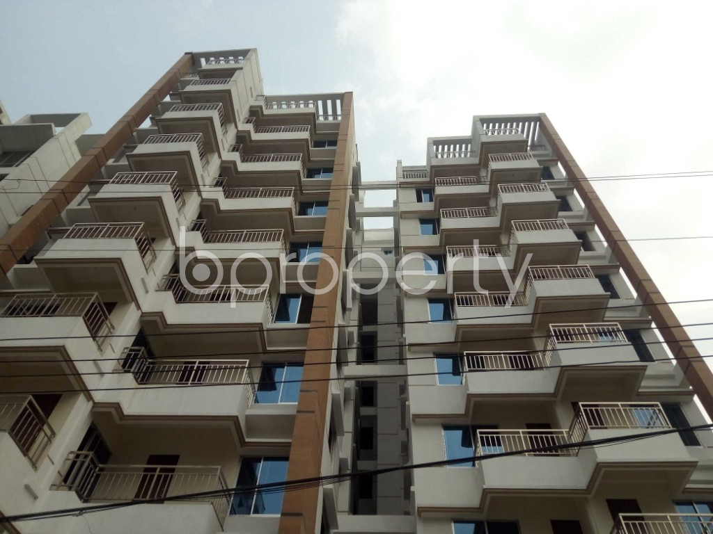 Front view - 3 Bed Apartment for Sale in Bashundhara R-A, Dhaka - 1960223