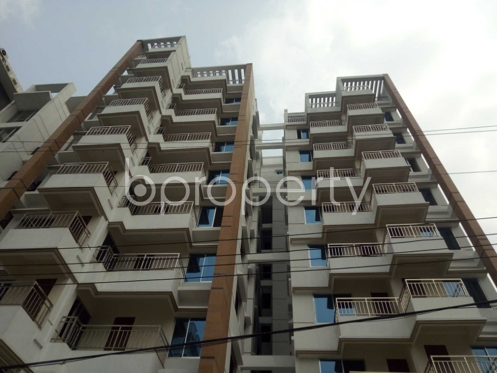 Front view - 3 Bed Apartment for Sale in Bashundhara R-A, Dhaka - 1960224