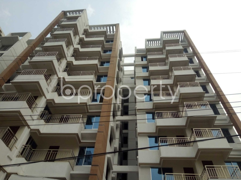 Front view - 3 Bed Apartment for Sale in Bashundhara R-A, Dhaka - 1960225